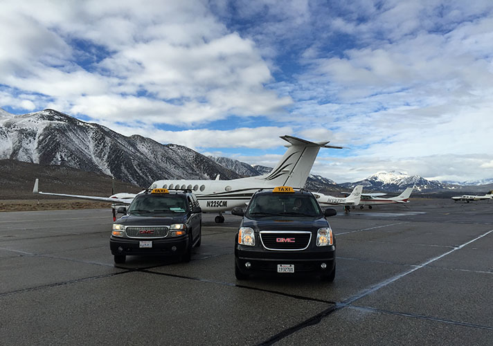 2-mammoth-taxis-airport-plane